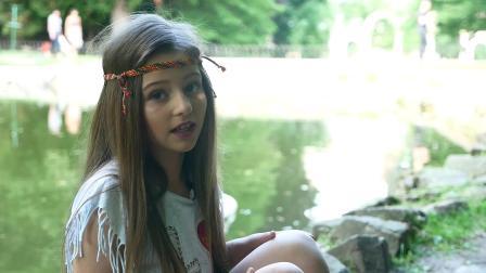 『心』Oksana Philip | 乌克兰主持 Образ Хіпі