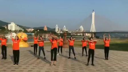 西双版纳舞之韵舞蹈培训中心教师祖国70年华诞献礼