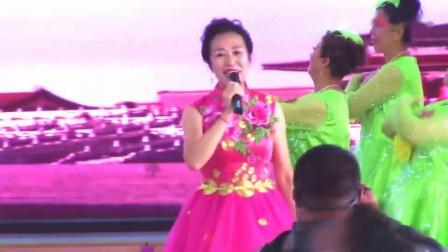 美丽辽源--歌伴舞(我和我的祖国)东山新潮健身舞蹈队表演_高清_20191001193416