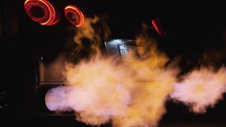 经典战神GT-R 改装ARMYTRIX阀门排气 深夜特效般喷火场景 无人能敌🔥