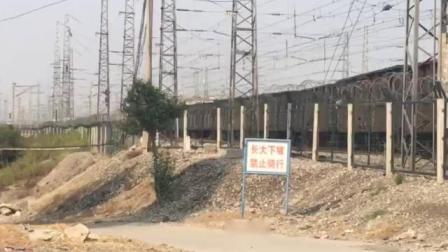 济局西段HXN3B牵引货列进兖州北站
