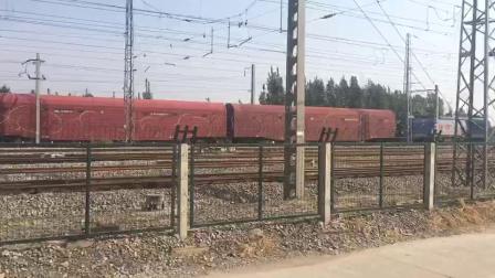 济局西段HXD3牵引全列JSQ6通过兖州北站