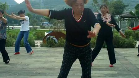 龙凤社区 舞蹈队巜心在草原飞