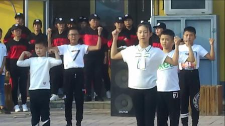 张村领航教育口才表演《一人我走上台》