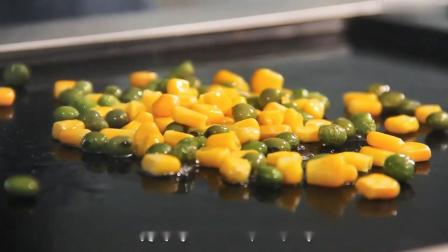 【扬州炒饭教程】不用锅也能做炒饭?三分钟搞定扬州炒饭