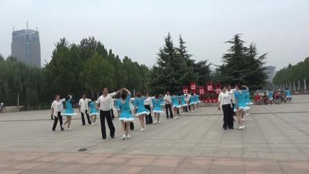 殷馨交谊舞——中国三步踩舞全套路破威尼斯纪录广饶县分会场