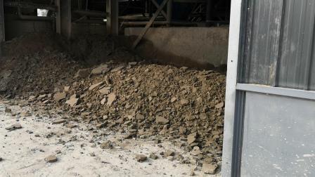 污泥脱水现场 板框污泥压滤机工作效果