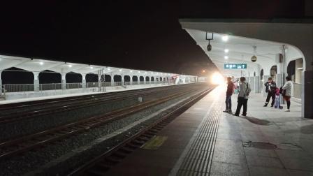 K911(青岛~西安)进枣庄西站
