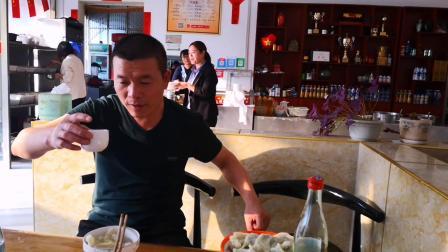 本来想吃枣庄菜煎饼没想到老板娘辣么热情