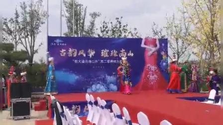 孟显香参加赤峰市模特走秀