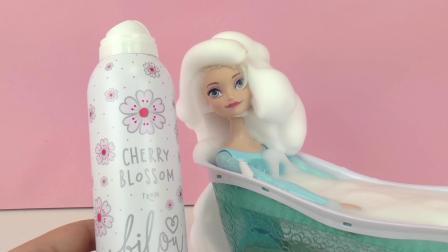 迪士尼 冰雪奇缘 女王 艾莎 Cherry Blossom 缤纷 粉色 樱花 泡沫 慕斯 沐浴乳 泡泡浴 展示