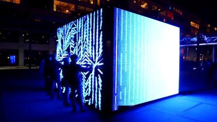 一只触摸发光的炫彩魔盒