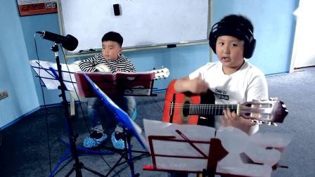 7岁小朋友吉他弹唱合奏《学猫叫》-时光双语吉他教室