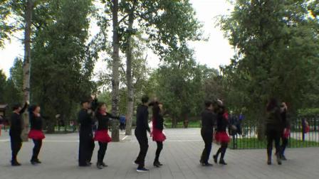 天坛和谐吉特巴舞群和影视明星冯绍峰,宁静,歌星伊利园天坛互动,跳舞