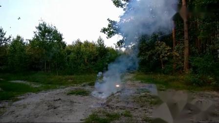 挑战一次性点燃600枚小鞭炮,画面震撼