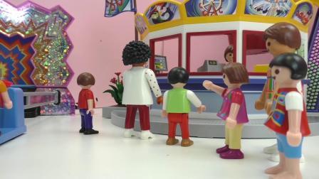 摩比游戏  小电影 蕾娜 和 克里斯 在游乐园 玩 巨型摩天轮  展示
