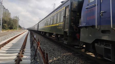 客车K8223次汉中站四道停车本务HXD3C0206武局襄段20191016_125730