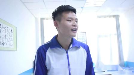 老师考学生琵琶行,不料学生唱了出来,老师的反应太逗了