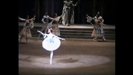 2003 莫大 雷蒙达 1幕 片段 Nadezhda Gracheva & Andrei Uvarov
