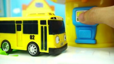 泰路小巴士的加油站玩具,TAYO小巴士儿童过家家