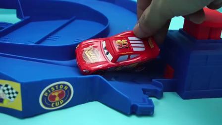 赛车总动员 麦昆的循环赛道 迪士尼 玩具 汽车总动员