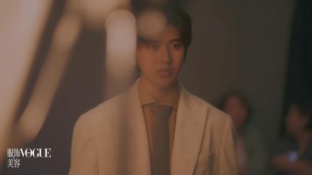 蔡徐坤走近毕加索 《美术馆之夜》视频花絮
