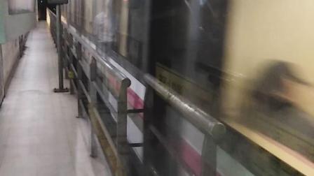 上海地铁6号线出东明路站