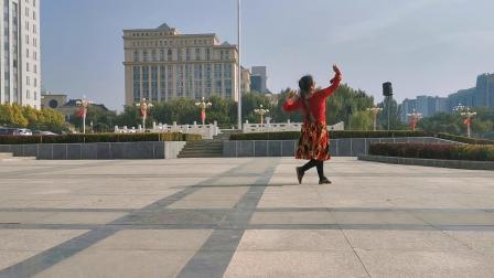 本人秀舞巜站着等你三千年》
