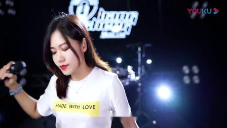 许巍励志歌曲《曾经的你》女声版,唱给每一个为梦想奋斗的人~