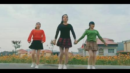 美美广场舞  多年以后