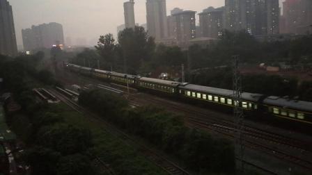 20191020_182034 西局西段HXD3D-0457牵引1148次(宝鸡-连云港东)通过西安西站