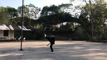 2019...10..21..钤山公园,练习56式夜行刀。