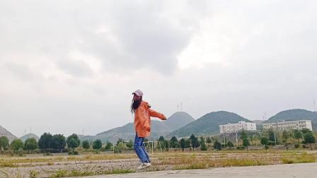 shuffle颜女生曳步舞