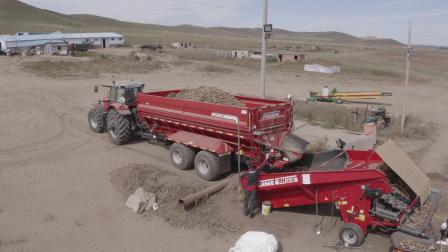 SV 260和MultiTrailer:马铃薯高效收获和田间物流解决方案