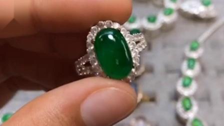 冰种阳绿翡翠镶嵌戒面色正色浓_翡翠王朝