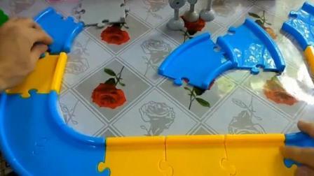 益智儿童玩具 小猪佩奇 搭建汽车轨道玩具视频