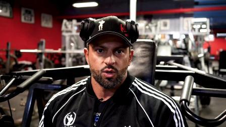 Arash Rahbar - 肩部高强度训练