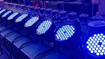 54颗3W三合一LED帕灯 (