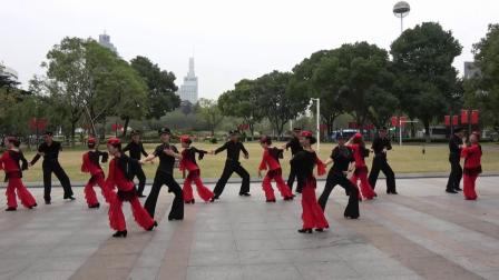 14-慢四二套《我是一条小河》表演者:南京丁香水兵舞团