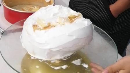 榴莲蛋糕胚抹奶油