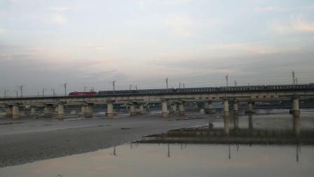 20191027_174818 西局西段HXD3D-0167牵引T232次(西安-北京西)通过灞河大桥