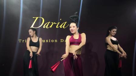 段晶-宫廷乐舞《古典红扇》丝路东方舞团