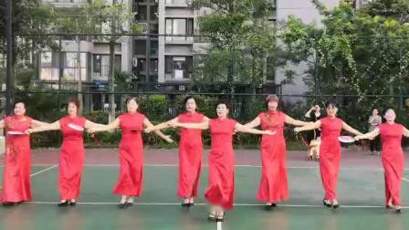 金梦走秀队在排练《红枣树》