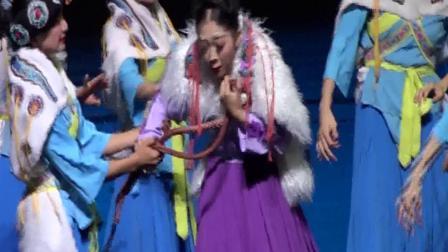 丽江千古情演出片段。