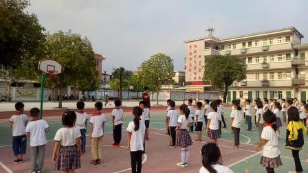 2019 2020学年第一学期三年级体育科《立定跳远》升平小学王定辉