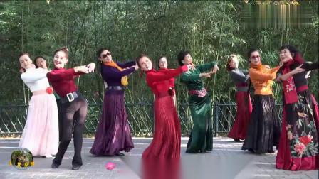 紫竹院广场舞《又见山里红》,简单易学,欢快好看!