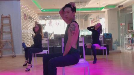 欧美爵士风椅子舞小瑞舞蹈