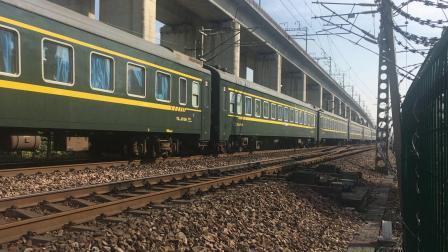 沪昆线 T211次通过杭州枢纽盈宁站