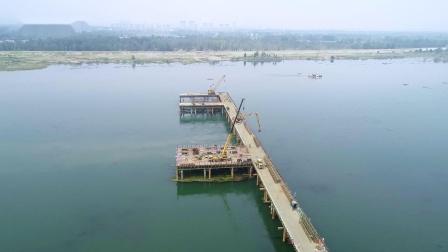 湖北襄阳G316河谷汉江公路大桥及接线工程项目钢便桥(工程案例航拍)