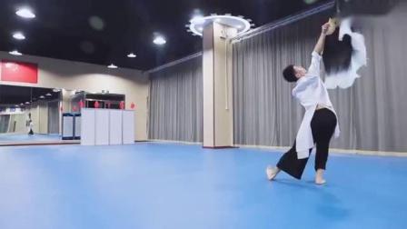 三木舞蹈原昌森老师演绎大扇舞《归来》_标清